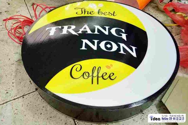 Hộp đèn tròn hút nổi cà phê Trăng Non